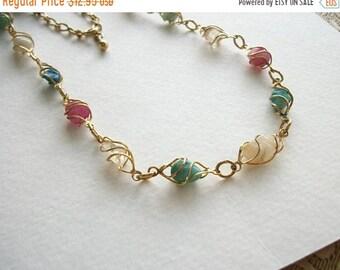 ON SALE Vintage Gold Necklace Vintage Gemstone Necklace Gold Toned Metal Necklace Vintage Jewelry
