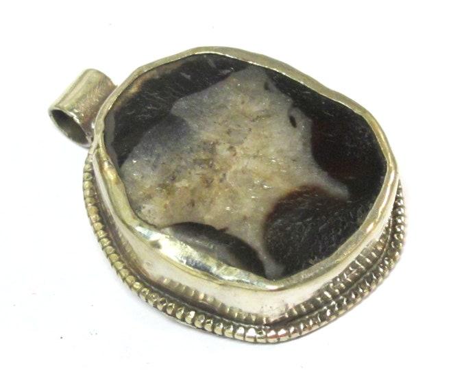 OOAK  Beautiful Tibetan agate gemstone pendant with reverse side floral design   - PM581MH