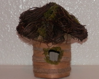 Natural Made Materials Birdhouse Moss & Twig Roof Crafts