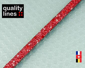 X 18 cm, 5mm flat leather red glitter, 18 cm is big enough for a bracelet up to size XL