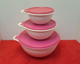 vintage tupperware thatsabowl 32, 12 and 4 1/4 cup bowl,  white with pink lids/seals, large tupperware bowl, Tupperware mixing bowls, v, z