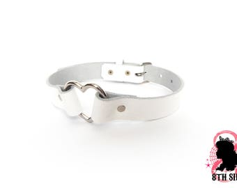 White Heart Ring Choker, White Heart Choker, White Heart Ring Collar, White Heart Collar, White Leather Heart Ring Choker, White BDSM Collar