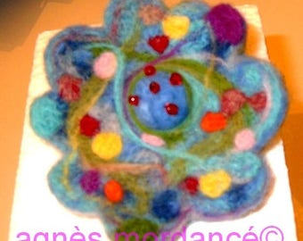 "Flower brooch ""lily"" 9cm - pure Merino Wool needle felted"