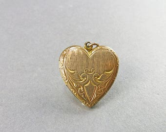 Vintage Locket Pendant Heart Locket Picture Locket Love Token Wedding Jewelry Antiques Collectibles
