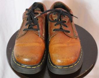 Vintage 90s Doc Martens leather shoes