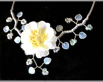 White Flower necklace of sin artificial