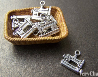20 pcs of Antique Silver Sewing Machine Charms 12x14mm A869