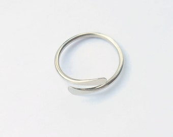 Sterling Silver 16g Sturdy Knuckle Ring - Toe Ring - Midi Ring - Adjustable - Hammered - Overlapping - Handmade - Great Gift - Daughter