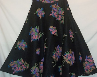 Black Felted Wool Screen Print Floral Swingy Full Vintage 40s 50s Lace Trimmed Circle Skirt S W25 Rockabilly