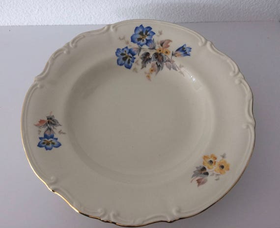 Vintage Tulowice soup plate with flower decoration