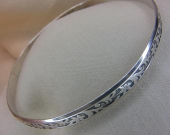 Sterling Silver Art Nouveau Floral Pattern Bangle