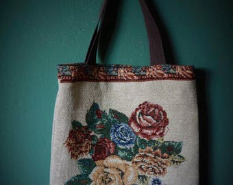 Bag of vintage cushion cover.