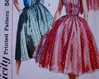 1950s Full Skirted Dress Pattern, Simplicity 1988 Vintage Sewing Pattern, Bust 31.5