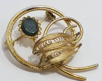 Simply Gorgeous Gold Tone Filigree Brooch with Floral Design