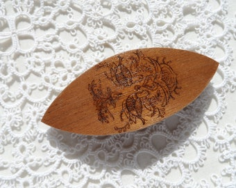 """Handmade wooden tatting shuttle with engraved Hungarian motif 2.5"""""""