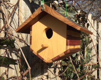 Boxy Short V Shaped Birdhouse