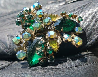 Brilliant Green Glass Rhinestone Brooch Pin - Goes With Anything!