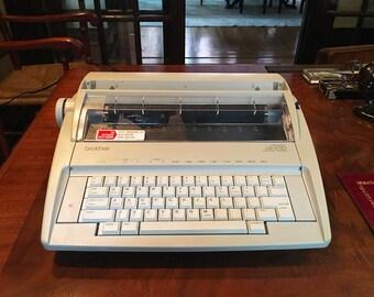 Vintage Typewriter Electric Typewriter Brother Typewriter Correctronic Electronic Typewriter Vintage Office Decor Working Typewriter GX-6750