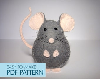 Easy to sew felt PDF pattern. DIY Pablo the Mouse, finger puppet or ornament.