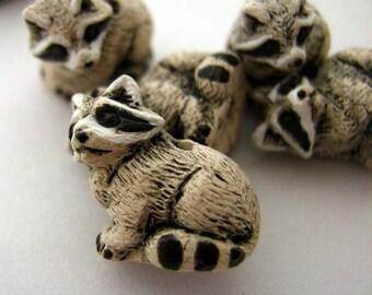 10 Tiny Raccoon Beads - CB40
