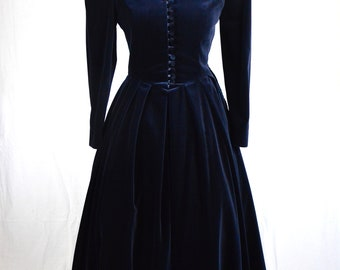 80s Laura Ashley navy blue velvet scalloped collar button front victorian style maxi dress with leg o mutton sleeves size S