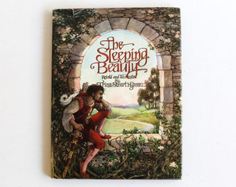 The Sleeping Beauty, Retold and Illustrated by Trina Schart Hyman, Hardcover First Edition, 1977