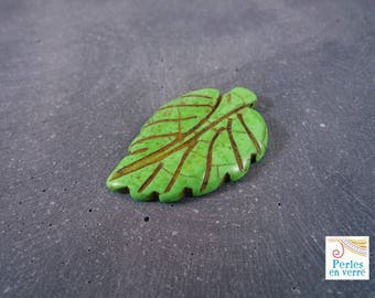 1 large green Howlite, 27x42mm (PH44) leaf bead