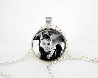 udrey jewelry,hepburn pendant, audrey necklace,hepburn necklace,audrey hepburn quote,paris necklace, audrey pendant, audrey hepburn party