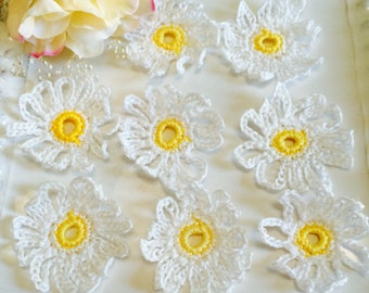 Crochet daisies, Daisies, Crochet Flowers, Flowers, wedding Flowers, Party Flowers, Flower Decorations, Flower Appliqués, Crochet Flowers