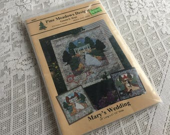 Vintage Applique Sewing Pattern / Uncut Pattern Mary's Wedding for Quilts or Wall Hangings
