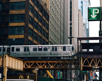 The L/mass transit photo/Downtown Chicago summer/Chicago skyline photography