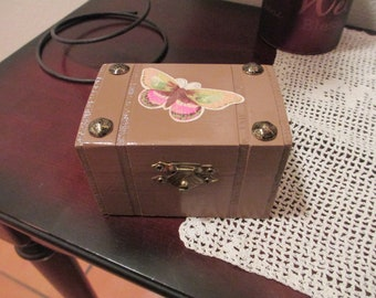 Small Wooden Box, Butterfly Wooden Box, Ring Box, Treasure Box, Keepsake Box, Wooden Box, Ring Bearer Box