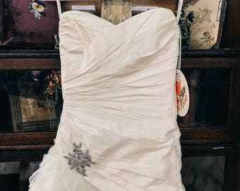 Glamourous Maggie Sottero Haute Couture Wedding Gown SIZE 12 Corseted