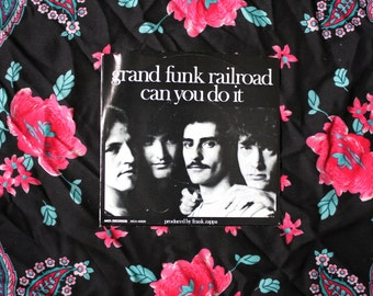 Grand Funk Railroad - Can You Do It Vintage Vinyl 45 EP. 70s Rock N Roll 7 Inch. Produced By Frank Zappa. 1976 MCA Records Rare Rock Vinyl
