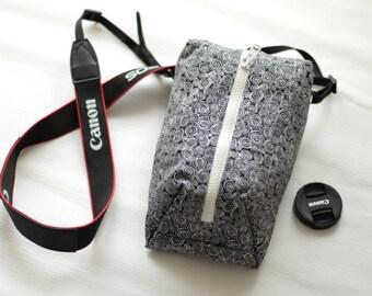 Digital slr Camera bag for Women Padded Travel neck case Black&White Canon Nikon Shoulder pouch insert Zipped purse Handmade gift idea