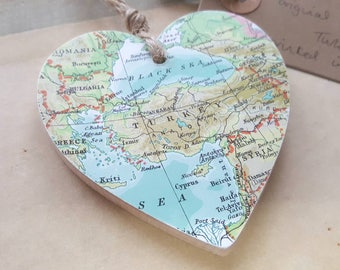 Vintage map of Turkey Wooden Heart - printed in 1965