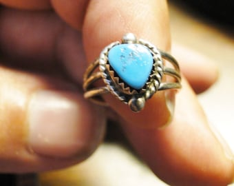 Pretty Turquoise Heart Ring - Silver Tone - Size 5 - Nice!