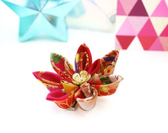 Red Flower Hair Clip - Red Flower Brooch - Japanese Hair Flower - Red Kanzashi Flower - Red Brooch - Bridesmaids Hair Flower - Fabric Flower