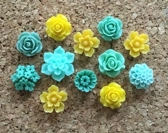 Flower Thumbtacks or Magnets Set of 12 - (#189) dorm decor, hostess gift, weddings, bridal shower, baby shower, gift, teacher gift