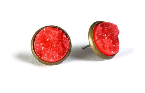 Antique brass and red textured stud earrings - Textured earrings - Faux Druzy earrings - Post earrings (804)