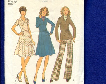 1970's Simplicity 7177 Slimming Princess Seam Dress or Tunic with Pointed Collar Size 16