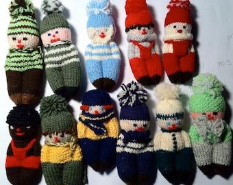 Maneken: hand-held dolls