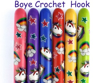 Crochet Hook, Boye Polymer Clay Covered Crochet Hook, Crochet Hook Sizes B-N, Best Crochet Hooks, Ergonomic Crochet Hooks, Unicorn,Rainbows