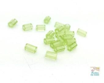 20 glass beads Czech glass Lime green tube hexagonal 6X4mm (Ptch205)