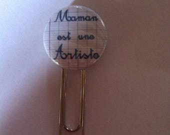 Pretty MOM paperclip bookmark is an artist