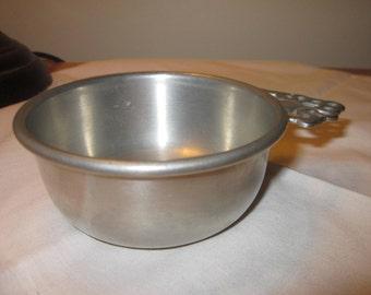 Vintage Woodbury Pewter porringer bowl