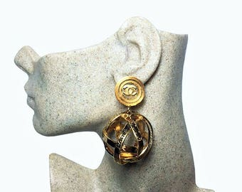 Authentic CHANEL 1988 Vintage 31 Rue Cambon Dangle Drop Evening Globe Sphere Orb Clip On Earrings