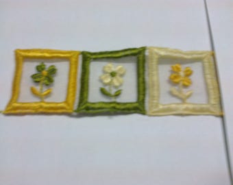 """Three motifs """"embroidered on organza flower"""" and embroidered edges, 3.5 cm x 3.5 cm square patterns"""