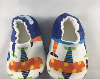 Baby boy shoes, baby slippers, soft sole baby shoes, crib baby shoes, airplane baby booties, baby moccasins, airplane print, organic fleece