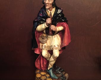 Vintage,  Royal Doulton, Pied Piper H.N. 2102, 1952 , made in England , Collectable, pipes,